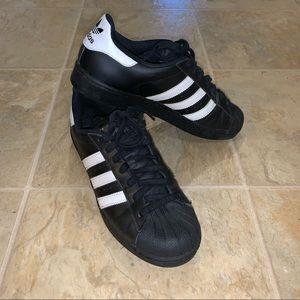 Adidas superstars black